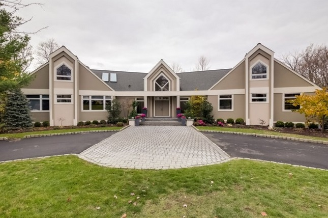 5 Brentwood Dr, North Caldwell, NJ